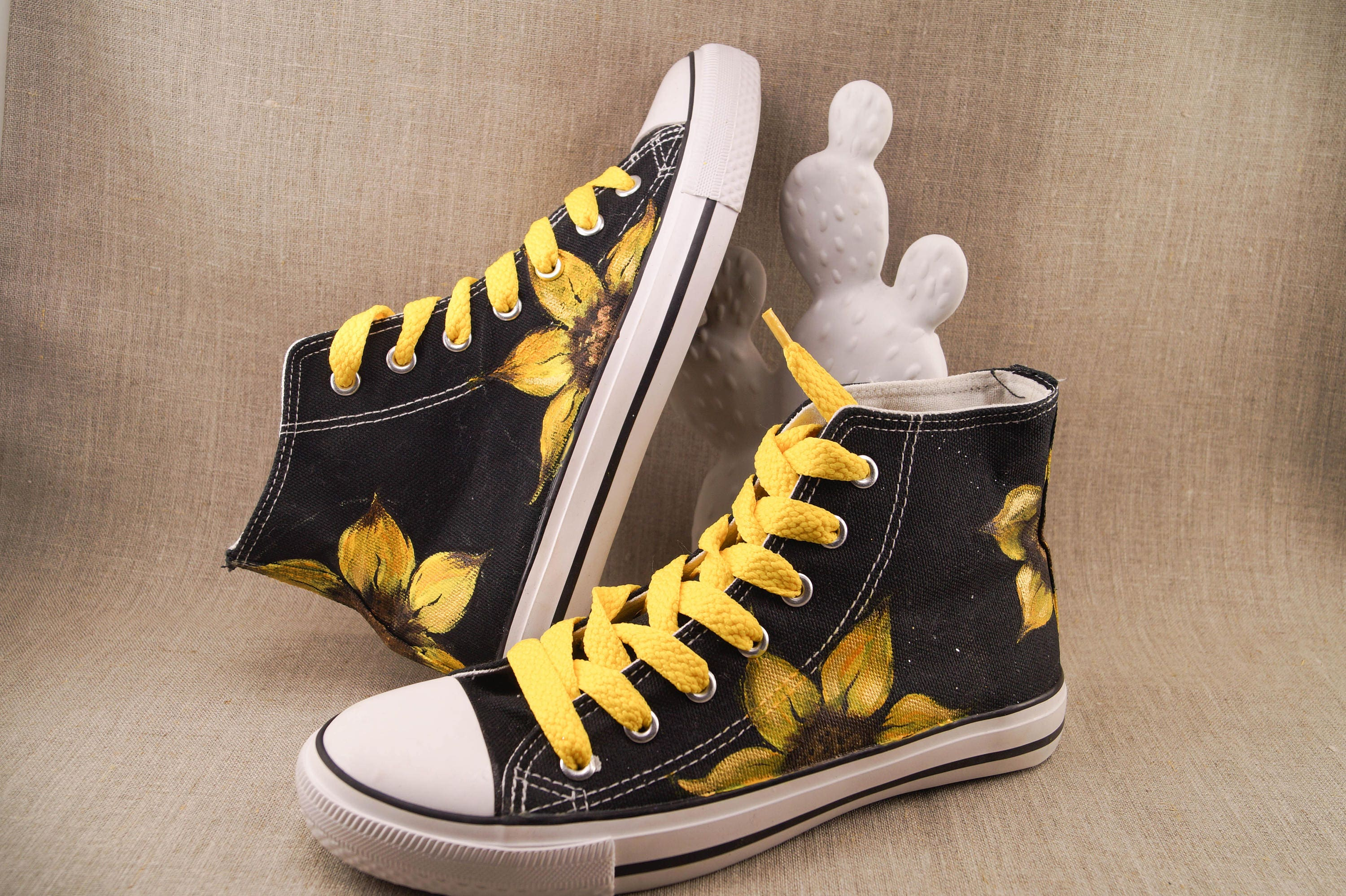 91cadca7a0dd Sunflower Converse Shoes