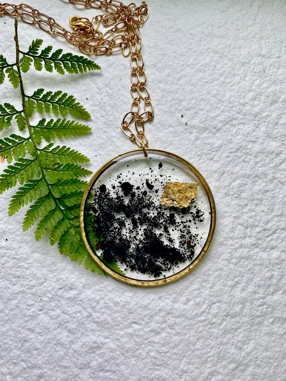 Icelandic black sand and gold flake backless necklace