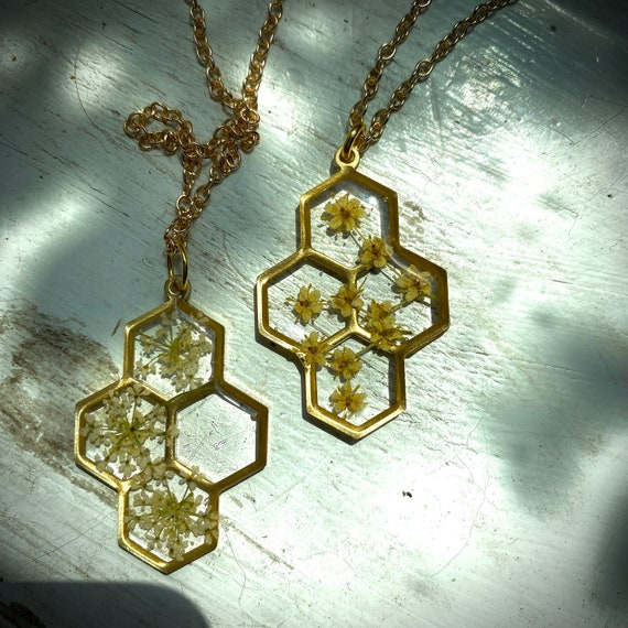 flower honeycomb necklaces