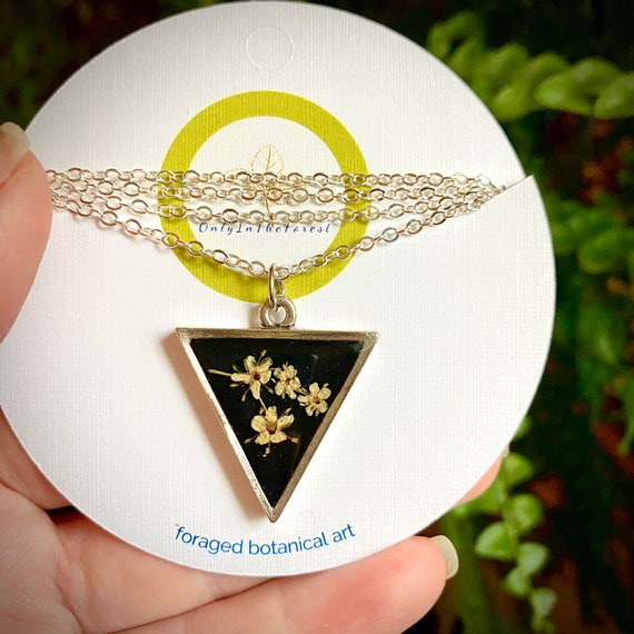 Elderflower triangle silver necklace