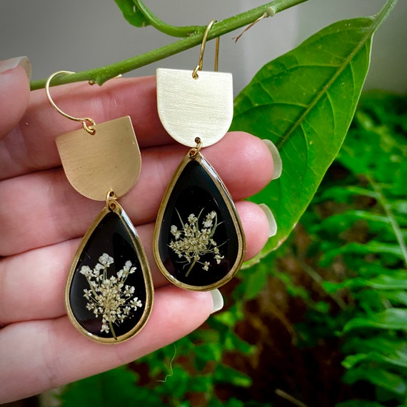 Queen Anne's lace dangle brass earrings