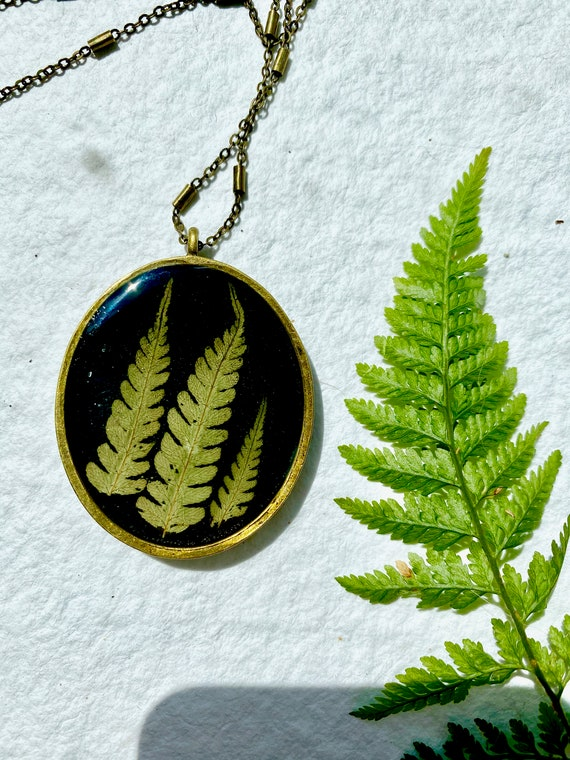 Antique bronze chunky bracken fern necklace
