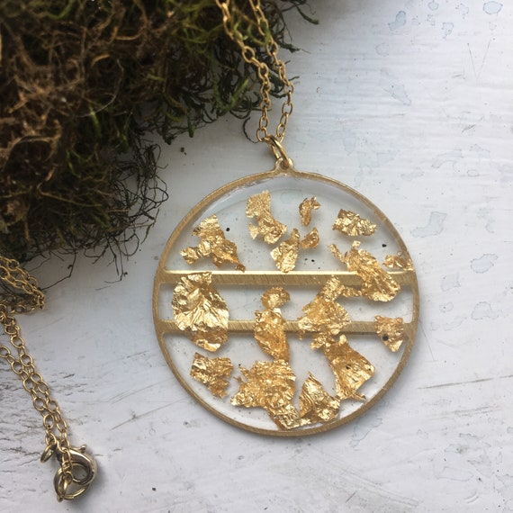 Gold flake circle brass necklace