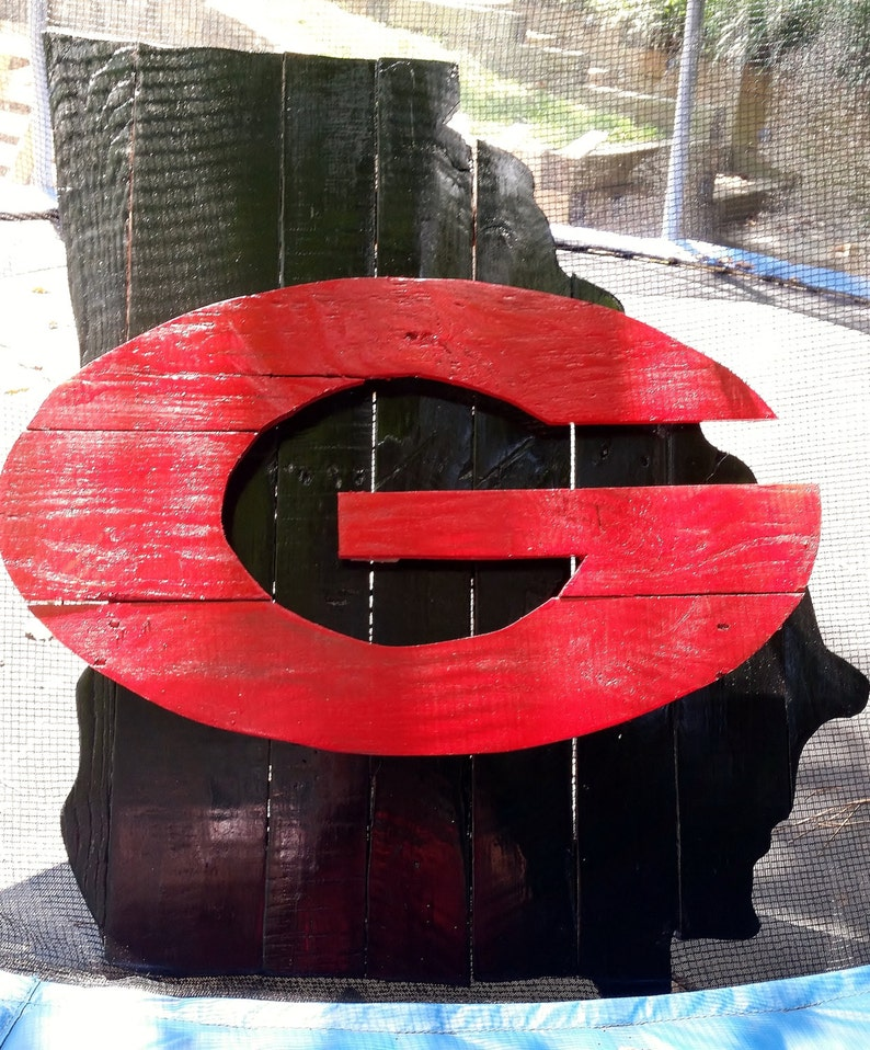 University of Georgia Bulldogs Wooden Pallet Hand PaintedStained Logo