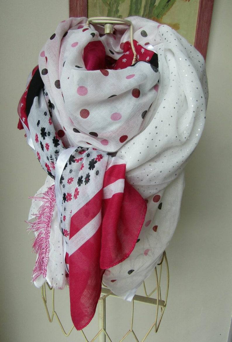 expédition gratuite choisissez le dégagement clair et distinctif Large Shanna style scarf in pink and white tones. Shanna style scarf.  Woman's gift. Summer scarf woman. Large woman scarf.