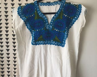 Vintage, 1970s, Embroidered, Linen, Peasant Blouse Size M/L