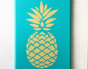Pineapple Sign / Pineapple Decor / Pineapple Wall Art / Golden Pineapple / Gold Pineapple / Pineapple Wall Decor / Pineapple Wall Sign