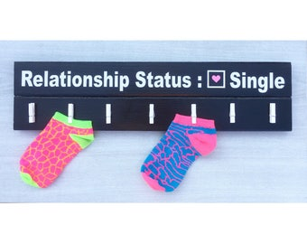 Lost Socks Hanger / Lost Sock Sign / Missing Sock Sign / Laundry Room Sign / Laundry Room Decor / Missing Sock Hanger / Lost Sock Holder