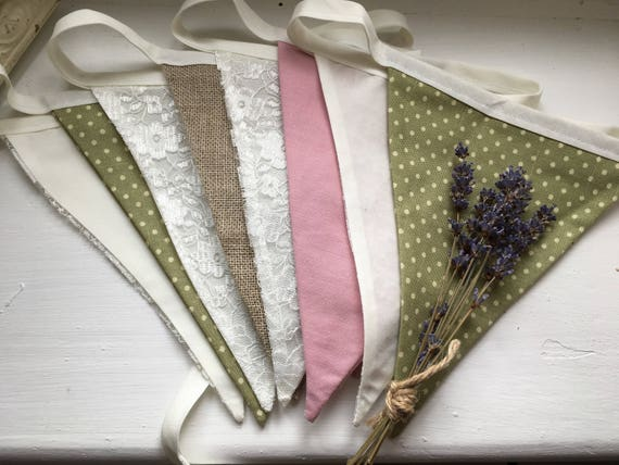 HANDMADE RUSTIC STYLE BUNTING HESSIAN WITH PURPLE MIX HEARTS