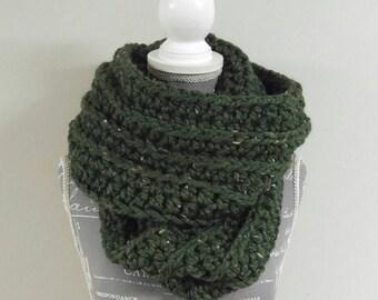 Chunky Knit Infinity Scarf / Dalloway
