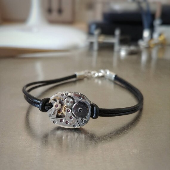 Mens movement hamilton on black leather and silver bracelet