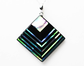 Abalone Jewelry, Mother of Pearl, Anniversary Gift, Abalone Necklace, Abalone shell, Japanese raden lacquer work, Akari [Necklace _ Akari _l]