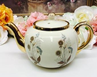 Sudlow mid size teapot