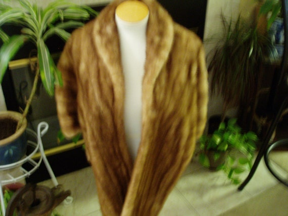 Bullocks Golden Brown Fur Cape 1940s