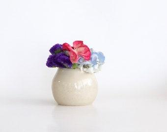 Mini Vase, Mini Beige Vase, Mini Ceramic Vase, Handmade Mini Vase, Small Tan Vase, Stoneware Vase, Mini Bud Vase, Cute Bud Vase, Bud Vase