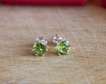 925 Sterling silver stud earrings with natural faceted Peridot gemstones