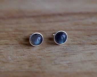 925 Sterling silver stud earrings with 6 mm Labradorite gemstones