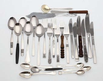 Farmhouse Style cutlery, mismatched flatware, rustic wedding, silverware set, vintage cutlery, flatware set, Service for 6, Christmas gift.