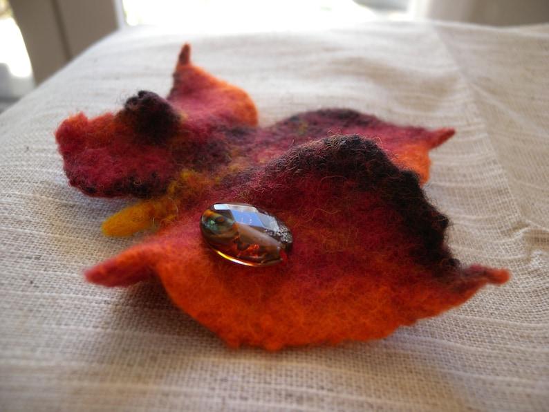 Felted wool brooch lampwork/_Feuille oak lampwork/_Feuille rouge/_Accessoire mode/_bijoyx