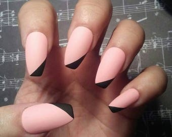Matte Pink Coffin Nails With Black Tips Light Acrylic Pastel Press On Rockabilly Mod Glue Short Or Long