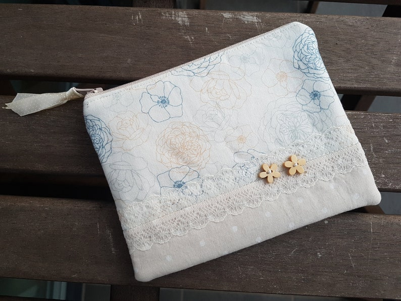 Beige Zip Pouch Small Coin Purse Gift Ideas Credit Card Holder Small Pouch Floral Coin Purse Women Zipper Wallet Small Wallet
