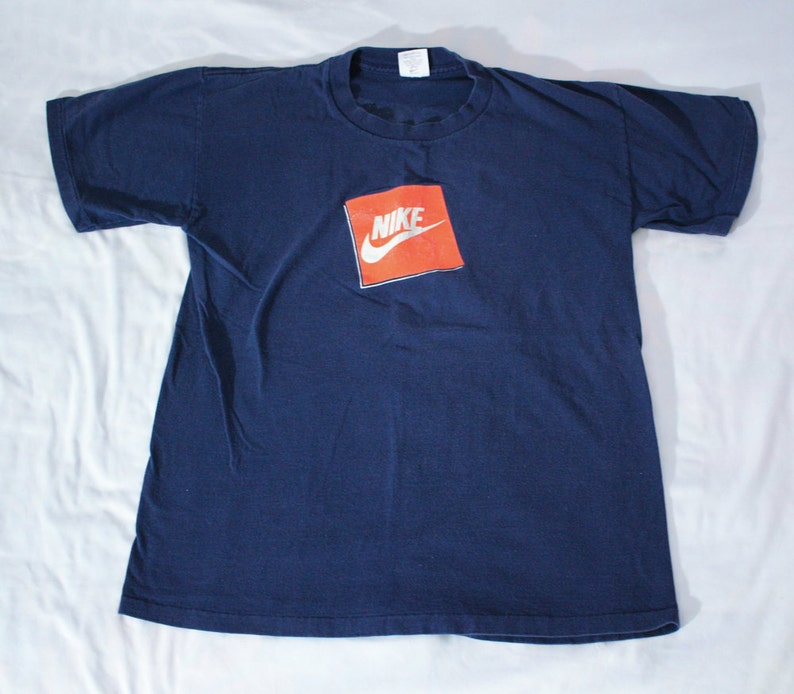 382bb9294ee8 Nike Gray Tag t shirt Size M Just Do IT Box Logo Spellout