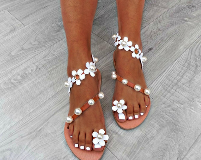 "Wedding Sandals, beach wedding sandals, Flower sandals, wedding pearl sandals, romantic leather sandals, white ""perles de fleurs"" sandals"