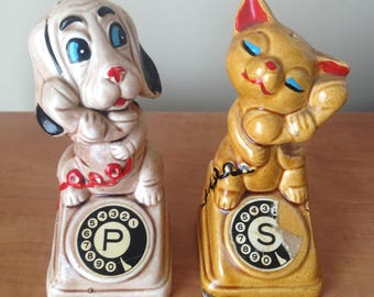 Vintage Retro Kitsch Salt and Pepper Shaker Set - Dog and Cat Telephoning Each Other - Cute Figurine Set - Made in Japan