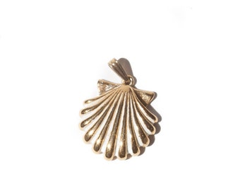 Vintage Monet Gold Seashell Necklace Pendant / Charm