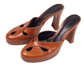 90s BCBG Cognac Brown Chunky Heel Platform Mules 8B 38.5