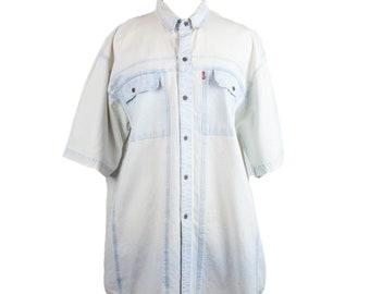 80s Levi's Light Blue Chambray Mens Button Up Shirt