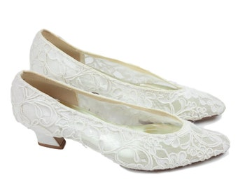80s Dyeables White Lace Low Heel Pumps