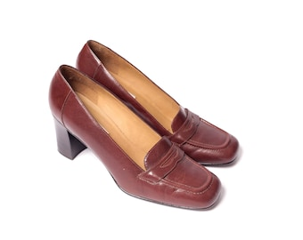 90s Brown Leather Chunky Heel Loafer Pump