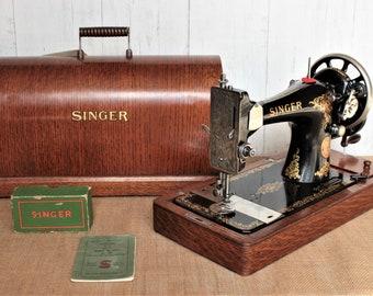 Singer 128k hand crank sewing machine