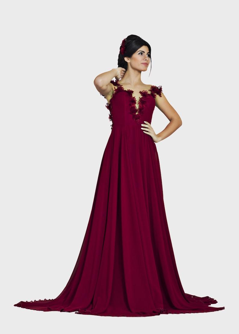 donker rode jurk