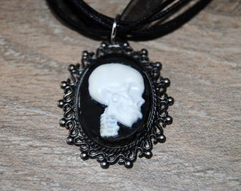 Black skeleton cameo Choker