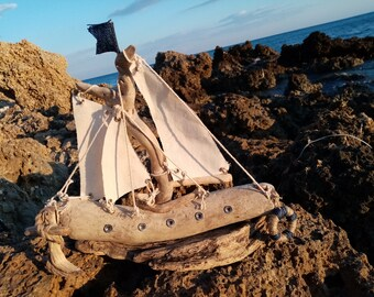 Driftwood sailboat,driftwood art, housewarming gift, living room art, decorative boat, tabletop decor, tabletop driftwood boat, tabletop art