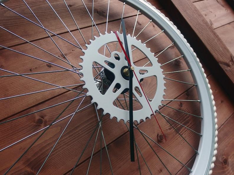 Vélo roue horloge Marine