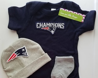 New England Patriots baby boy outfit with hat-baby boy patriots outfit-ne partriots boy shower gift-patriots baby football outfit/pats baby