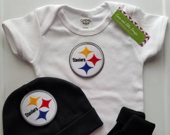 Pittsburgh Steelers boy outfit with hat-Steelers baby boy shower gift-baby boy steelers-Pittsburgh Steelers bodysuit-steelers newborn