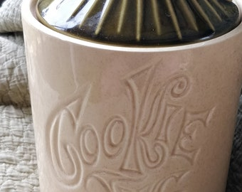 Vintage McCoy Pottery Cookie Jug, Ceramic Cookie Jar - retro - groovy - Collectible HTF