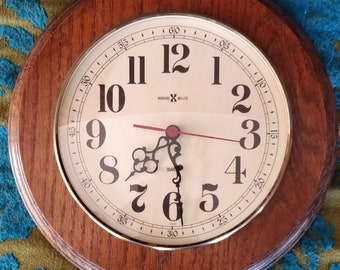 Vintage Howard Miller Wall Clock - Quartz - Mid Century - Octagon