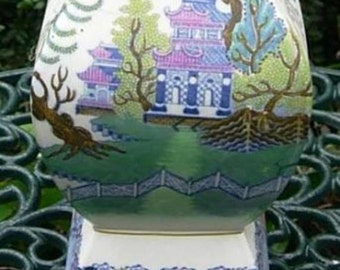 English Nankin Polychrome Willow Pattern Dragon Handled Vase c1913