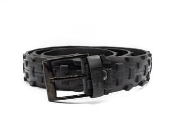 Upcycled bike tire belt for man and woman, recycled vegan belt, handmade rubber belt, gift for him, eco gift idea, sport belt