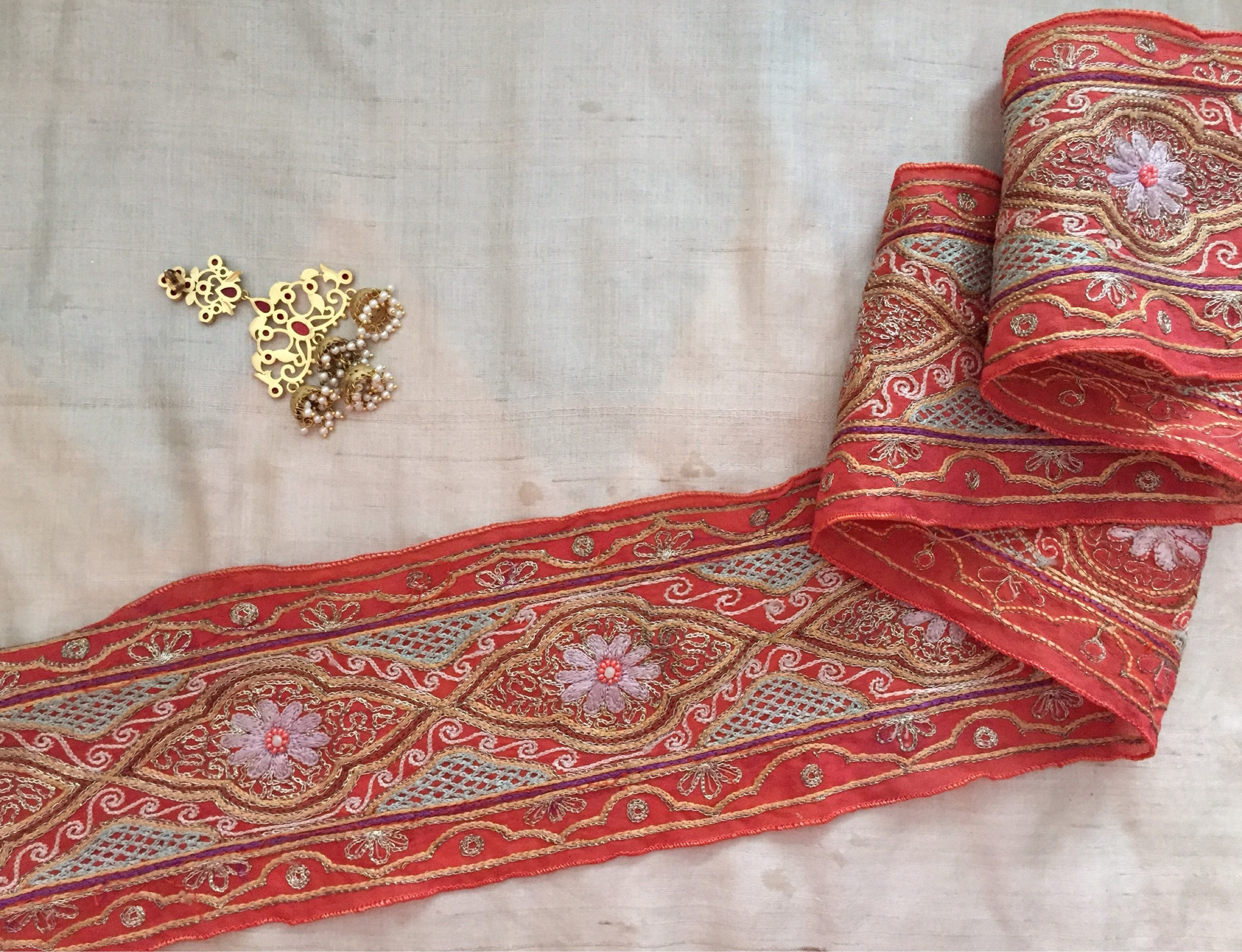 50 PIECE PERSIAN RED DEEP CREAM LACE COLLECTION