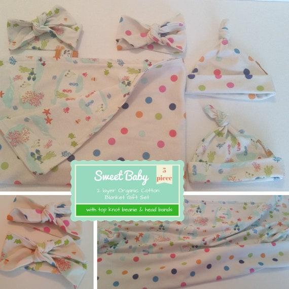 Sweet Baby Gift Set - Organic Cotton Reversible Small Blanket & Newborn Beanie/Headband Set -Under the Sea Polka