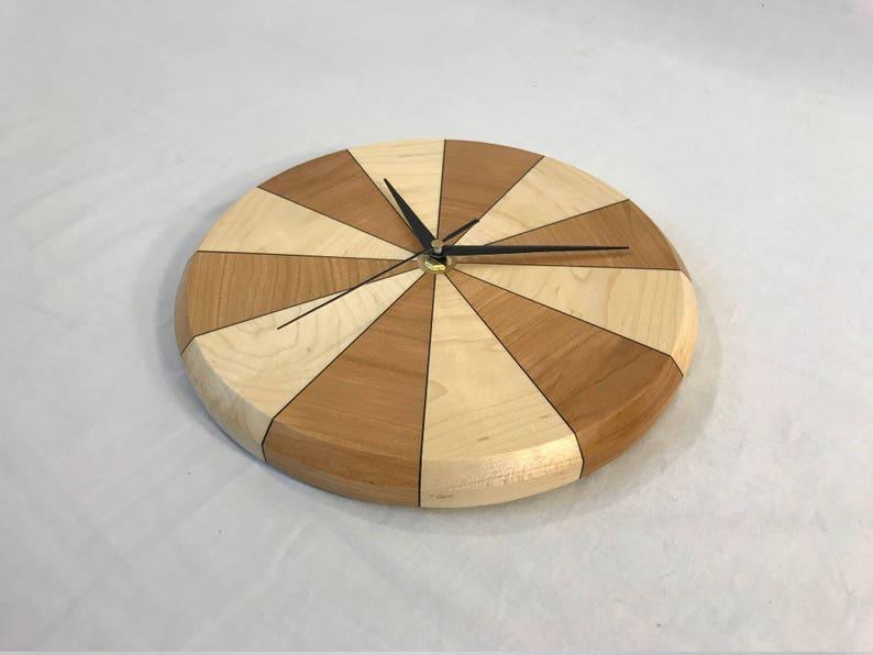 Horloge segmenté (érable et cerisier)