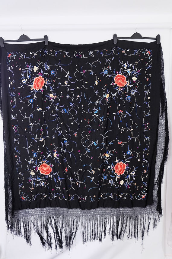 1910's-1920s-1930s Chinese piano shawl with colou… - image 10