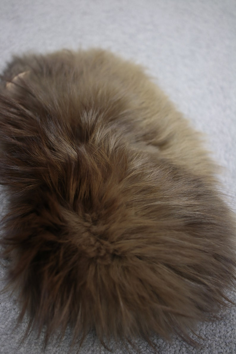 1960s-1970s fox fur collar {Real fox furvintage fox furfox fur scarffox fur trimfox fur wrappin up collarpeaky blindersfox fur stole}