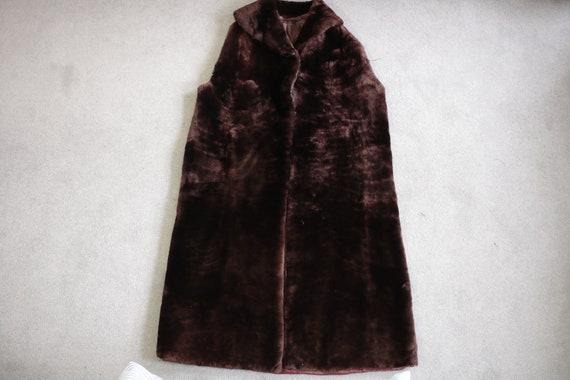 1960s-1970s brown mouton fur vest {Real fur/vinta… - image 6